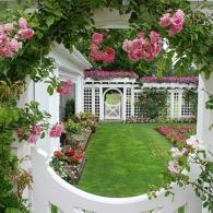 фальшокно в саду_фото