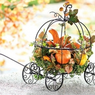 metal-mesh-pumpkin-coach-harvest-garden-decor_2196735