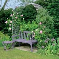 садовая скамейка под аркой