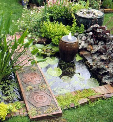 Фонтанчик для сада и огорода своими руками