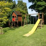 безопасность детской площадки на даче_фото