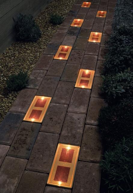 стеклянные кирпичи для дорожки фото